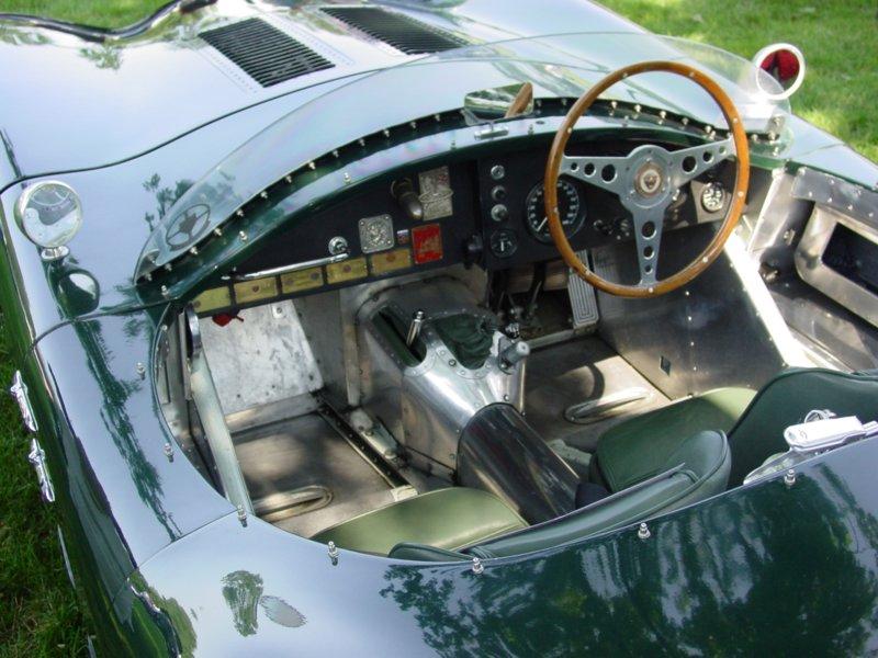 Pictures of a 1953 Jaguar C-Type replica (by Vintage Jaguar