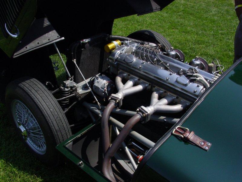 Pictures of a 1953 Jaguar C-Type replica (by Proteus)